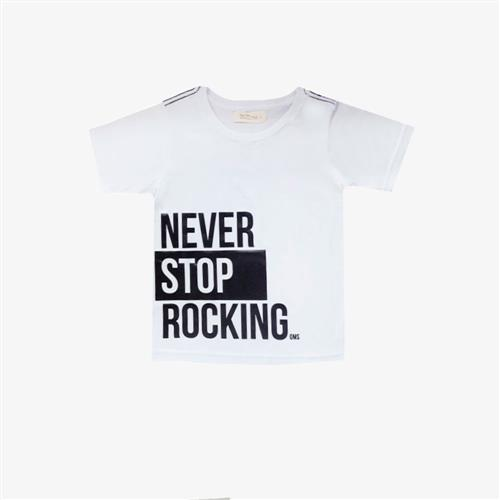 Remera Never Stop -blanco-
